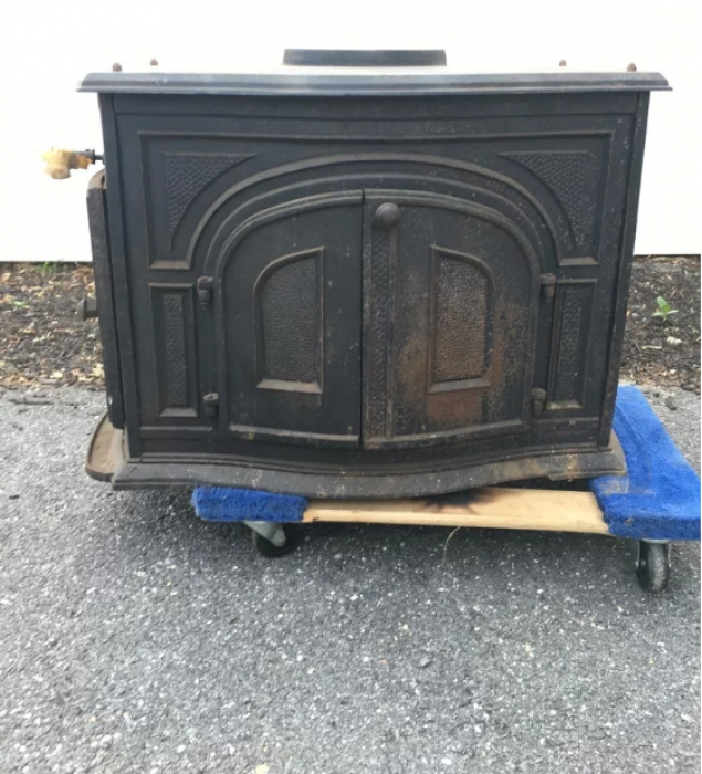 I need a pipe that will fit that and that goes from oval to round. It's a  Nordic - Erik Wood Burning Stove. - Snap-Lock 6-Inch Black Steel Stovepipe Oval To Round Boot Stove