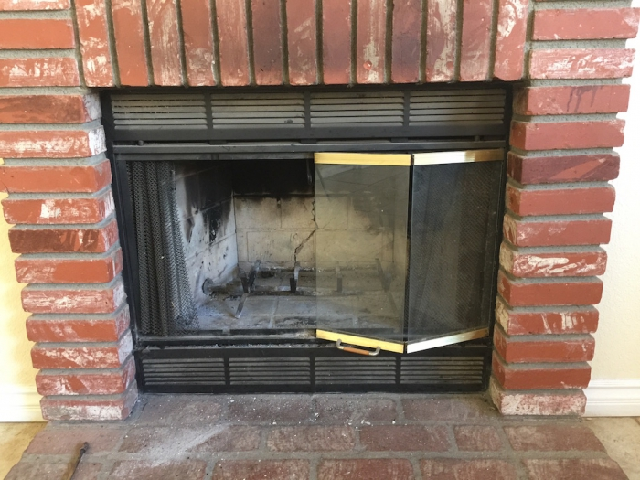 Could you please ID this fireplace insert (gas) the house was build in  1991. I am looking for rear fire brick replacement. - Vented Gas Fireplace Inserts & Gas Stove Inserts