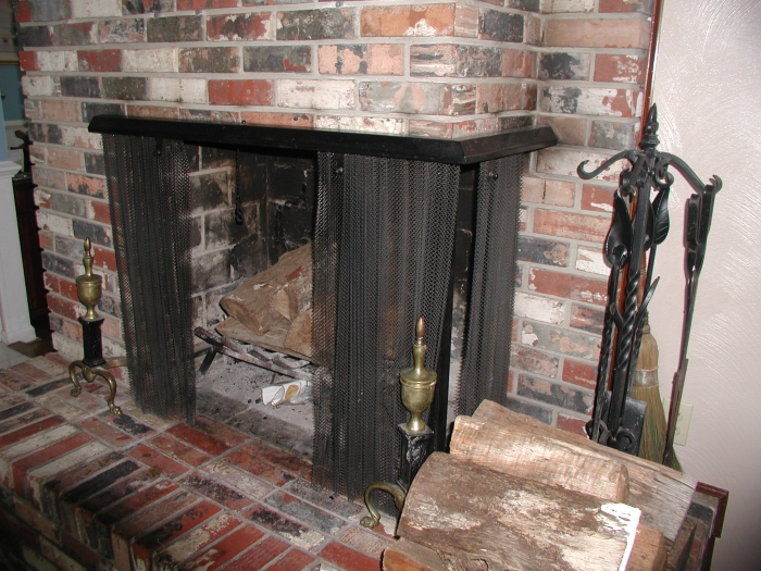 I have natural gas available, although I am burning wood in it currently. I  would like to convert it to a natural gas unit. (See pictures below)  Dimensions: ... - Modern, Affordable, And Stylish Fireplace Inserts